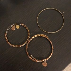 Bundle 3 bracelets